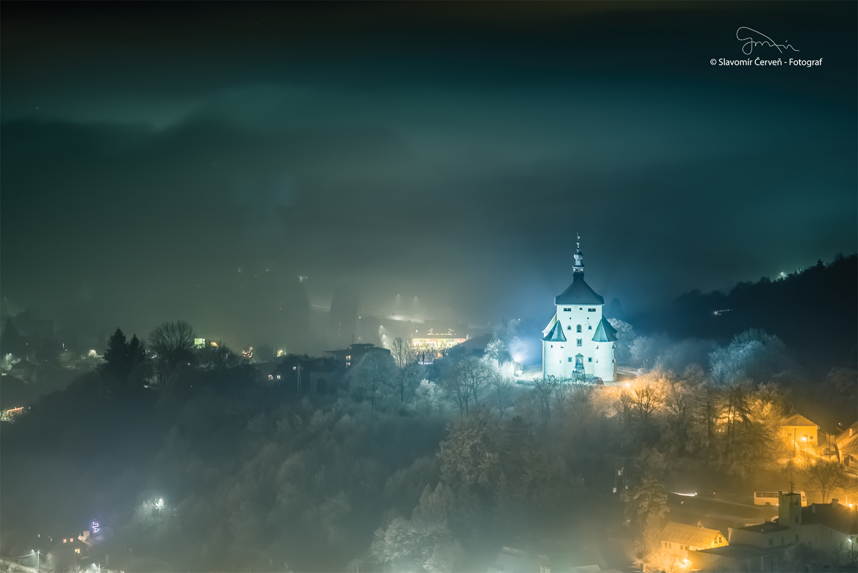 New Castle in the night